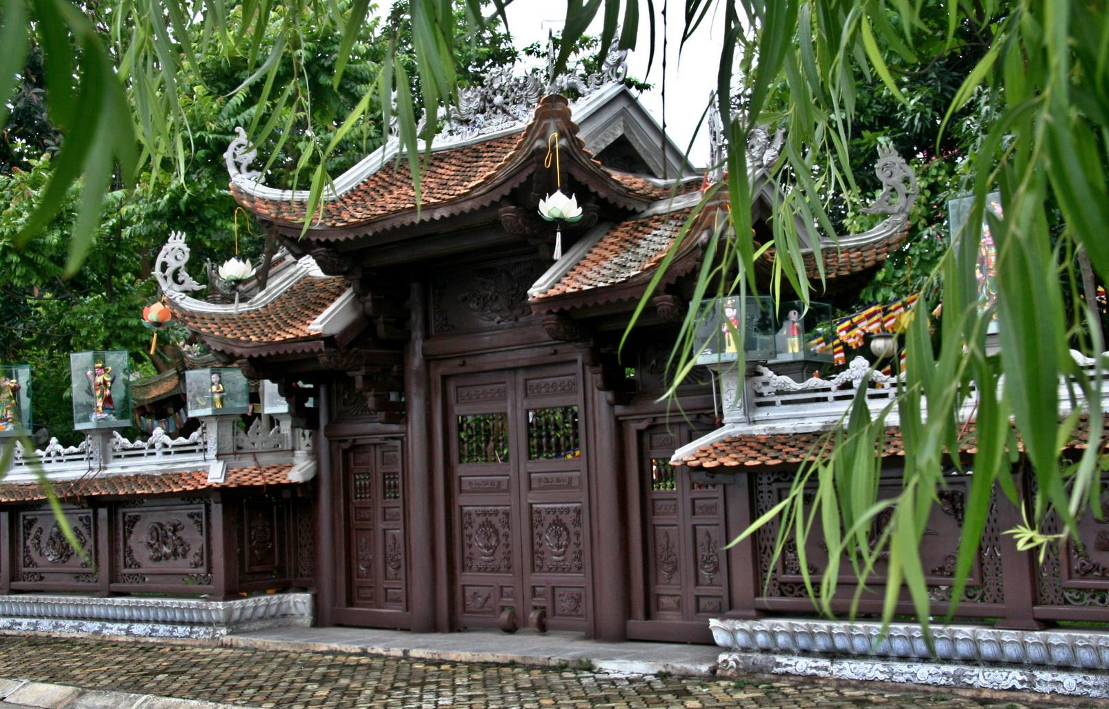 Chùa Vạn Niên - Địa điểm lễ chùa đầu năm